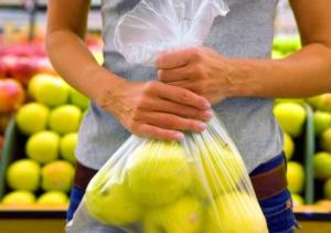 Sacchetti biodegradabili a pagamento e comportamento dei consumatori